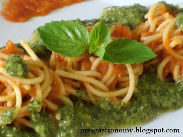 Receita No. 2 - Espaguete ao Sugo com Molho de Manjericão.