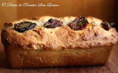 Pão de Liquidificador com recheio de Tomate Seco