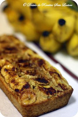 de bolo de banana com farinha integral e leite de soja