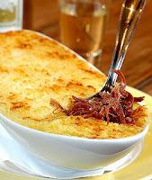 escondidinho de carne seca com batata e requeijão