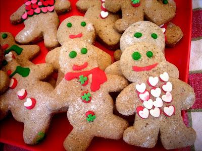 Ginger bread boys  (from Paula Deen)