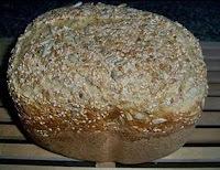 pão integral com farelo de trigo e linhaça
