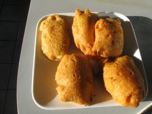 Vazhakai Bhajia (Banana Bhajia)