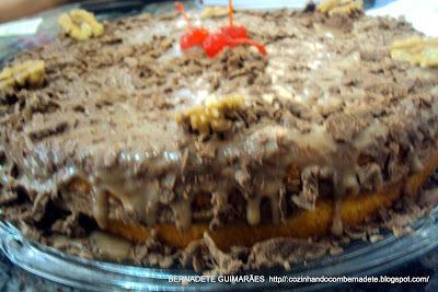 DELÍCIAS PARA PÁSCOA III TORTA DE CHOCOLATE COM NOZES