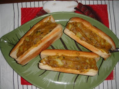 VEGGIE HOT DOG (STUFFED HOT DOG BREAD)