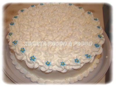 mousse de chocolate com claras em neve e chantilly