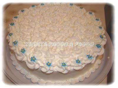bolo de chantilly para casamento redondo