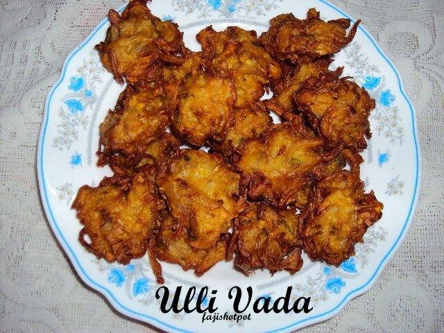 Ulli Vada/Pakoras/Onion Bajji