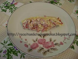 Rocambole de aipim, mandioca ou macaxeira  com Carne Seca