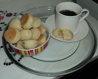 de biscoito de polvilho doce sem ovos e leite