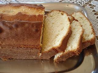 de bolo com suco em pó simples