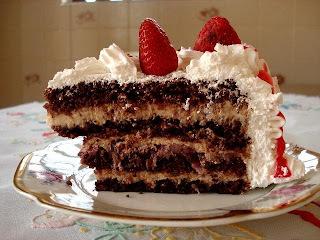 bolo de maracuja com geleia de brilho de maracuja