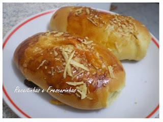 lanche da tarde com pão de forma queijo presunto e requeijão