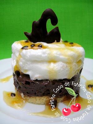 Torta de Ganache com Nozes e Mel de Maracujá