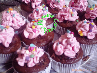 cupcakes decorados com chantilly