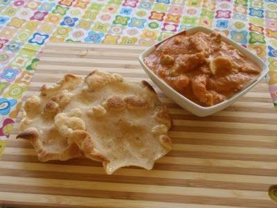 Indické karí s plackami papadum