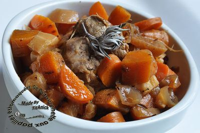 Filet de porc aux carottes, panais, navets, gingembre, miel et sauge