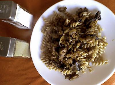 Menú del dia: Fideos integrales con salsa de callampas