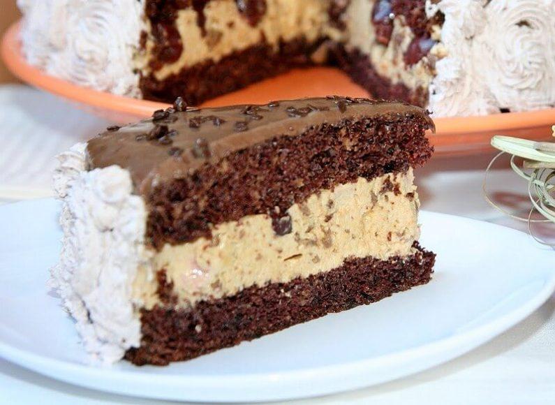 Karamel torta sa višnjama i čokoladom