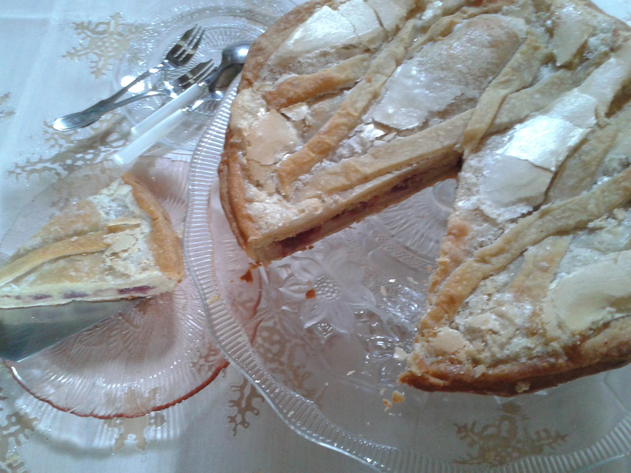 Ma Galette des reines : tarte conversation amandes~poires~ airelles