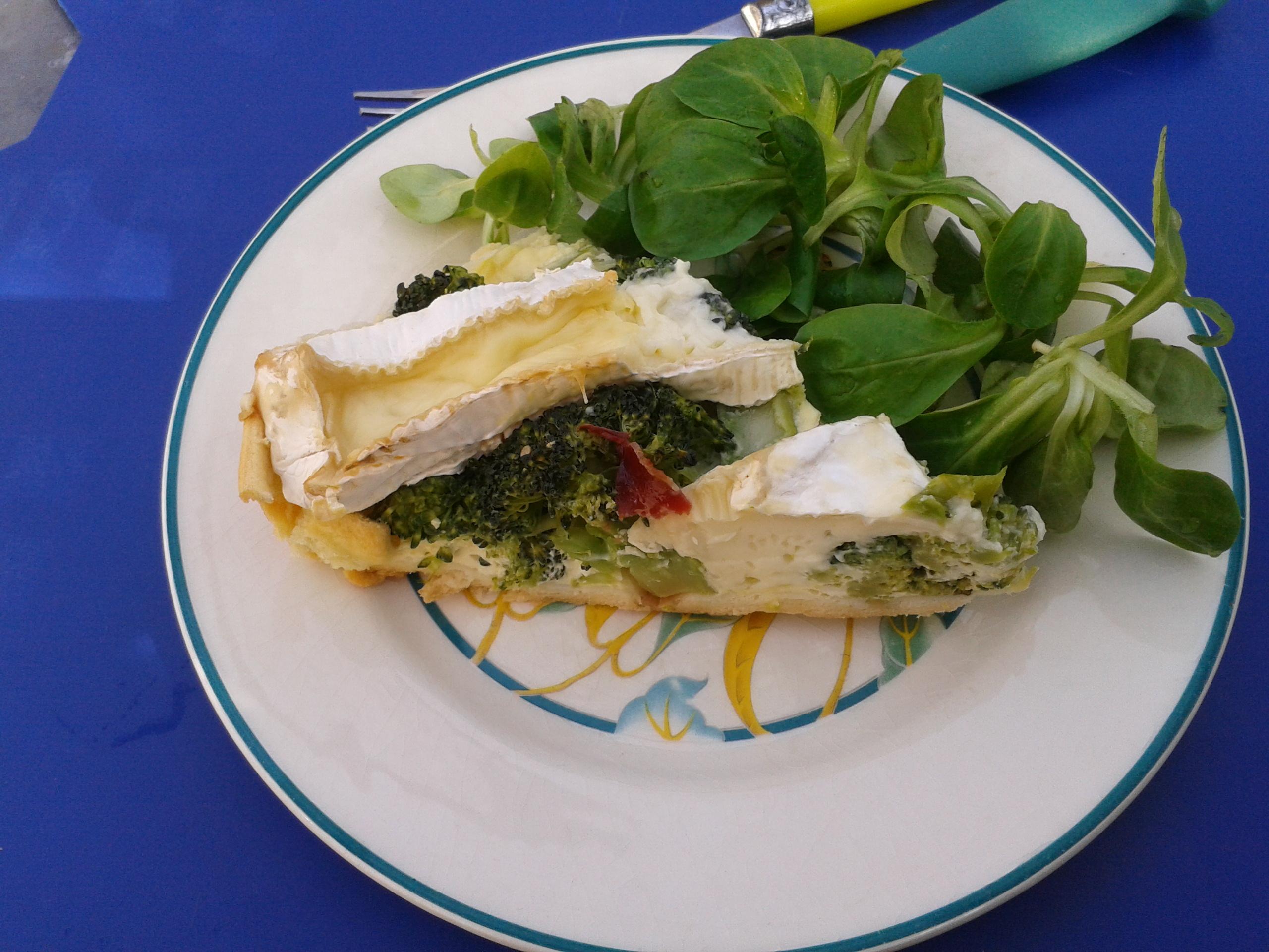 Tarte camembert~brocolis et jambon de Bayonne