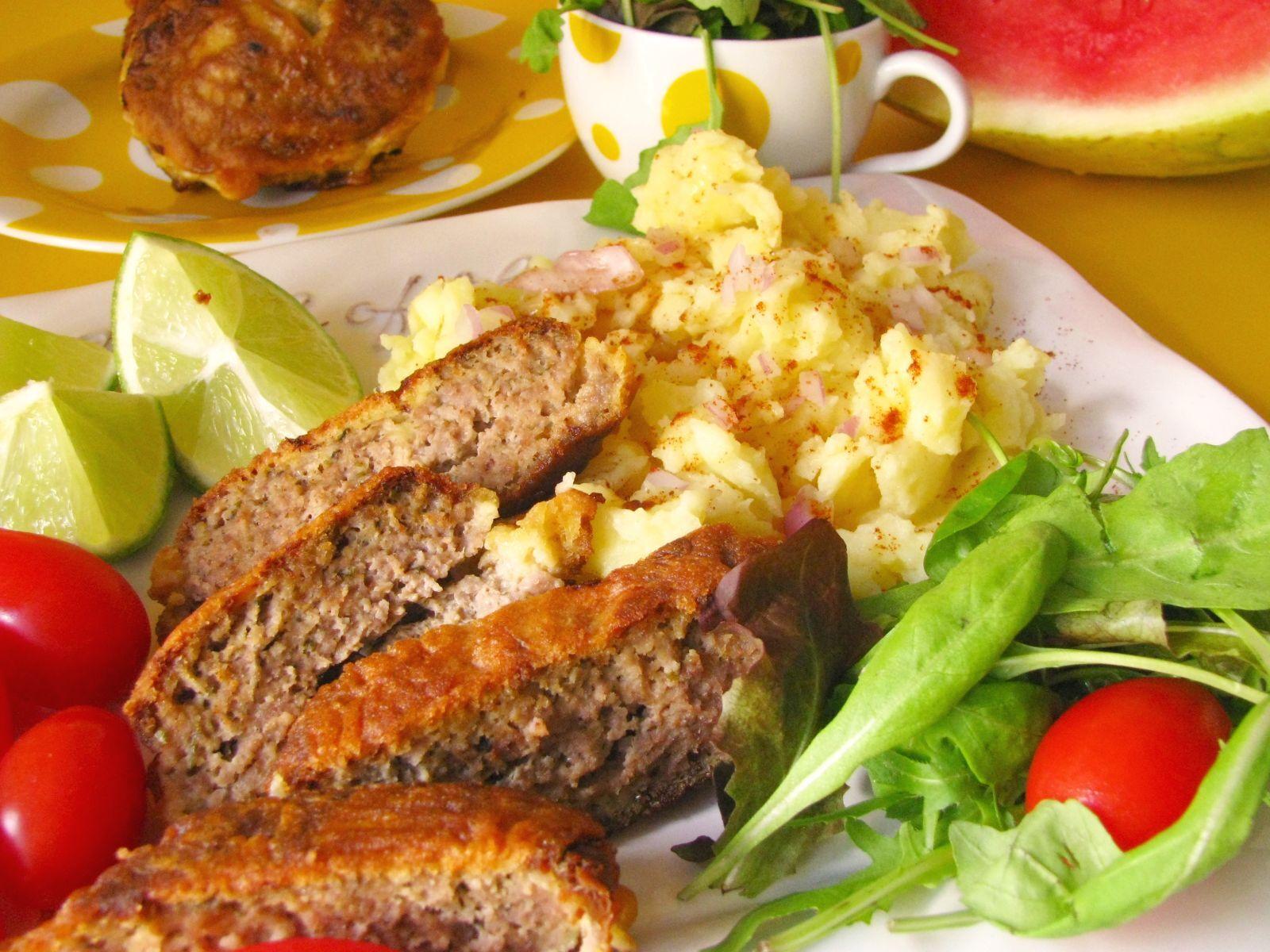 Maslový rezeň z mletého mäsa v cestíčku