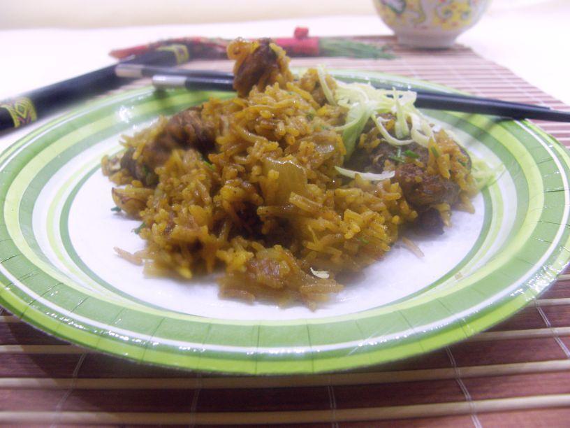 Kuracie mäso piatich vôní s cibuľovou ryžou