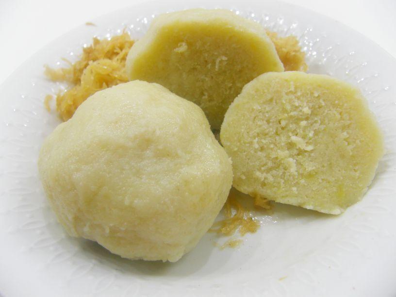 Bavorské zemiakové knedle pol na pol