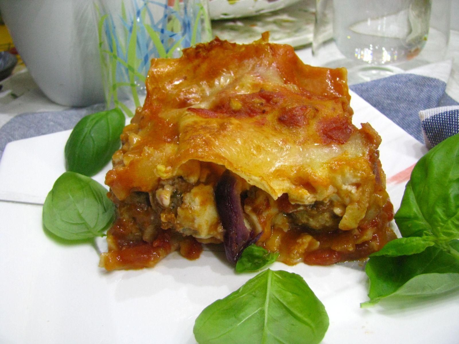 Mäsové guľky v paradajkovej omáčke ako lasagne