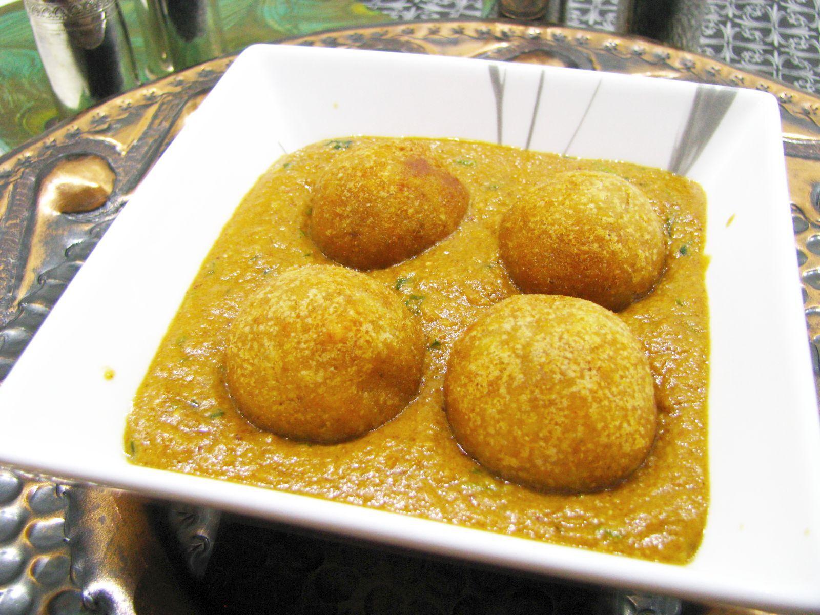 Vyprážane zemiakové guľky v omáčke – Malai Kofta
