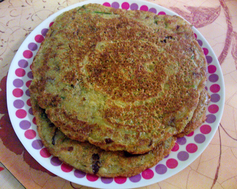 Mix dal cheela (Pancakes made with lentils)