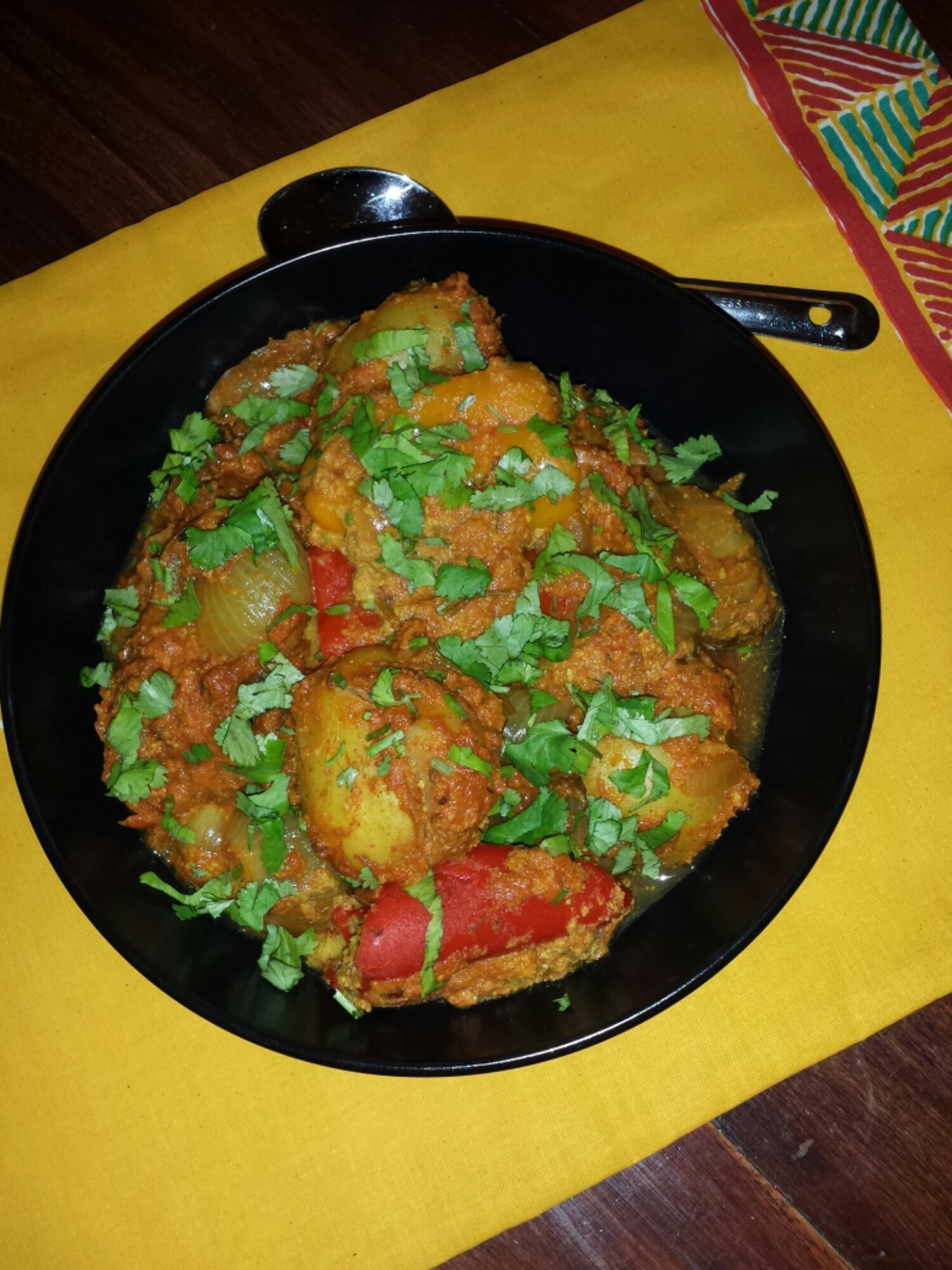 Roasted Spice and Coconut Flour Stuffed Vegetable Curry