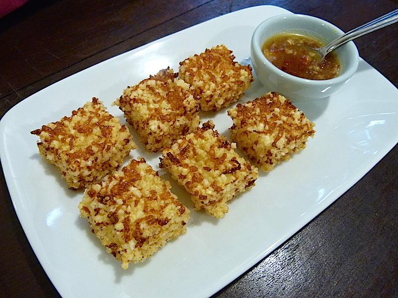 Dadinhos de tapioca com queijo coalho