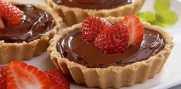 Tortinha de Chocolate com Morangos