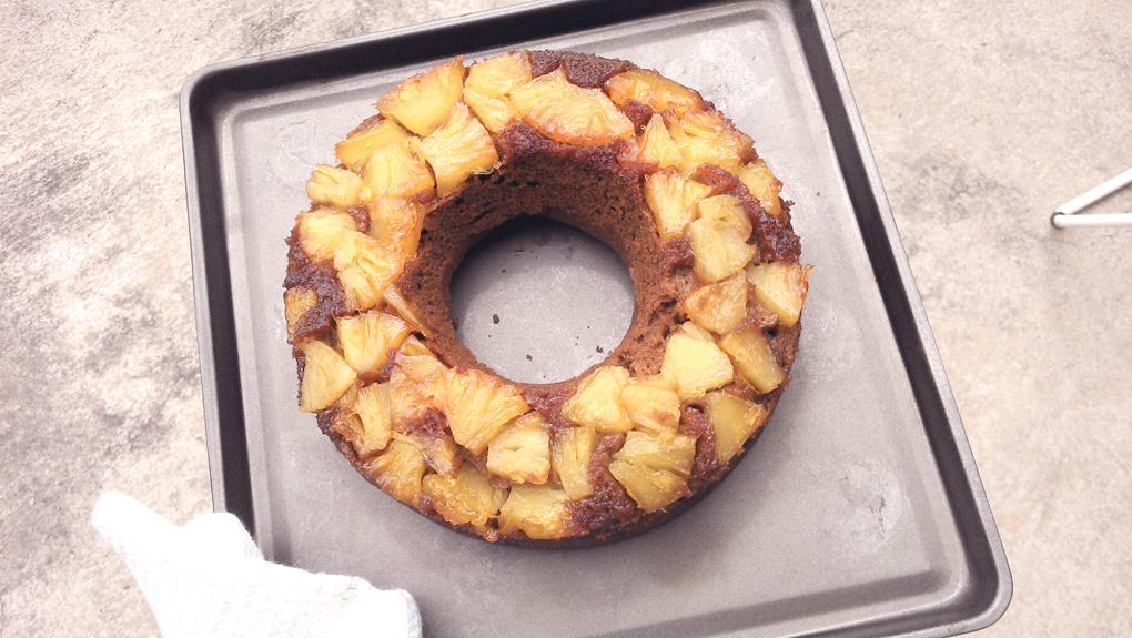 Receta de torta invertida caribeña: ananá, azúcar morena y ron