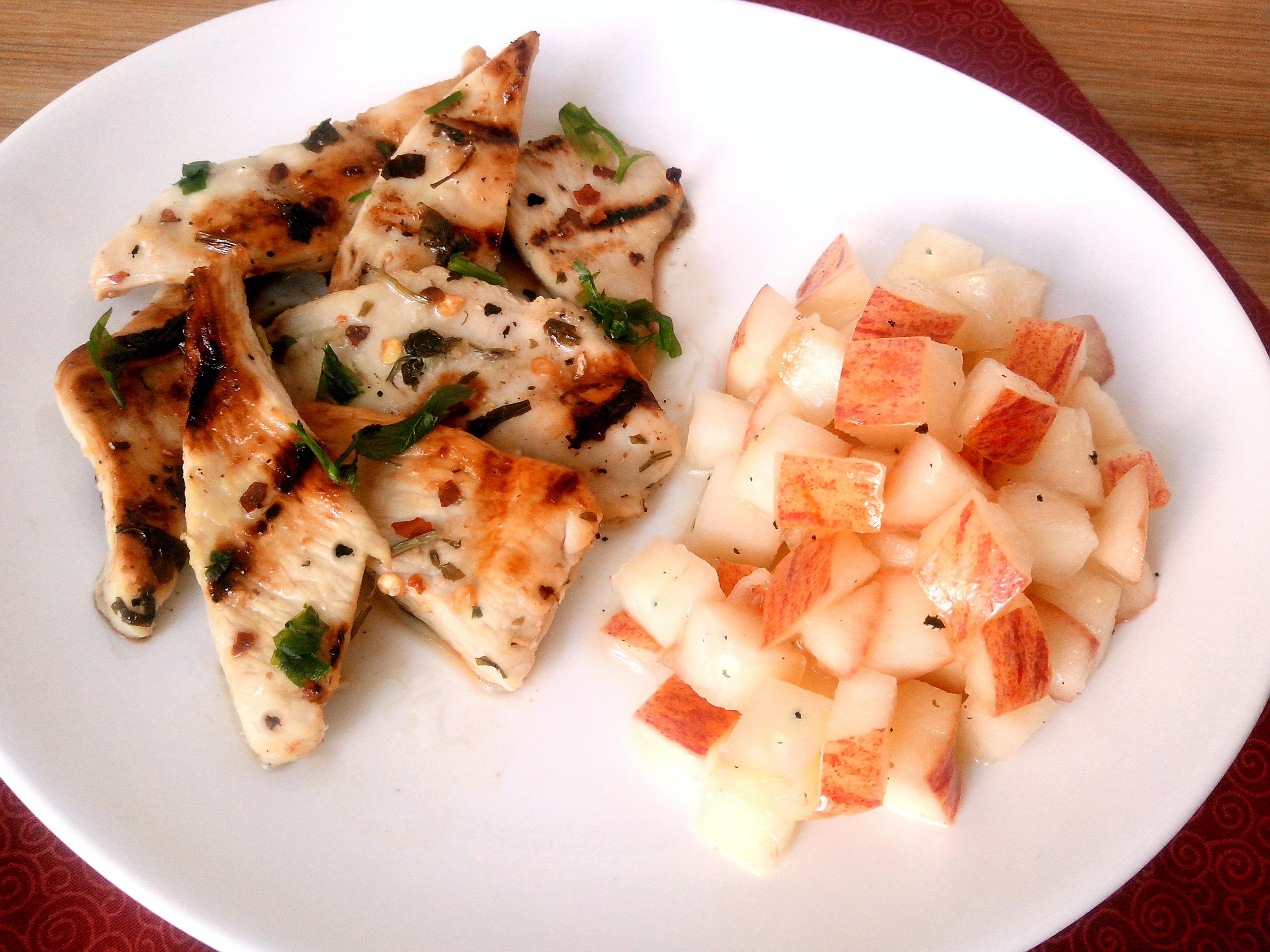 Filé de frango à tailandesa com salada de maçã