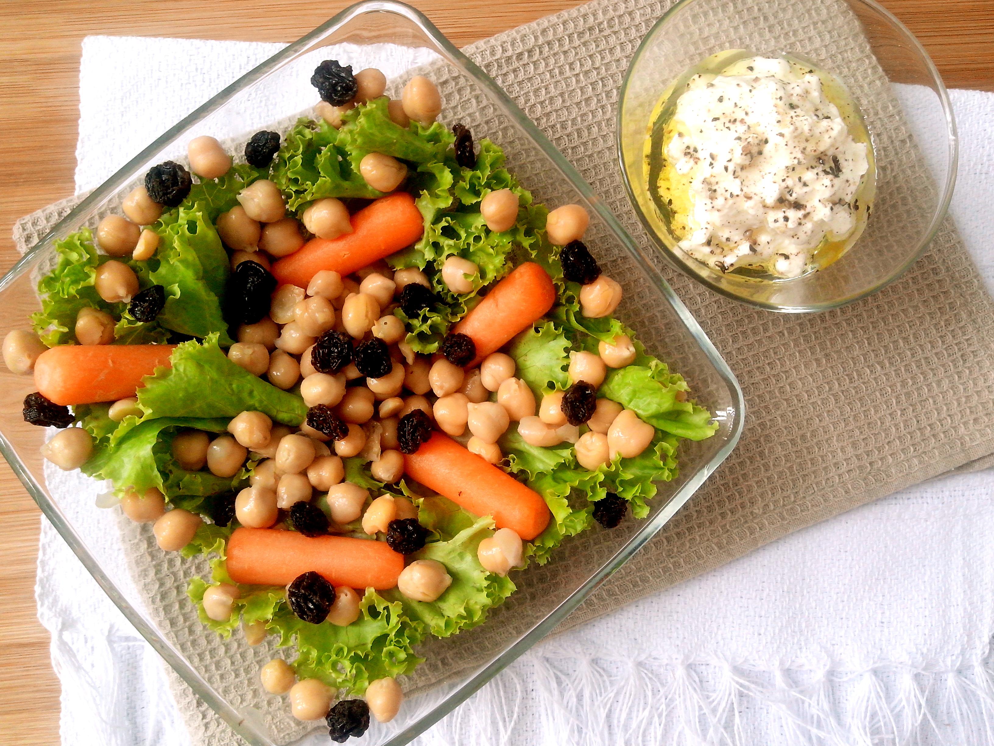salada de grão de bico com carne seca