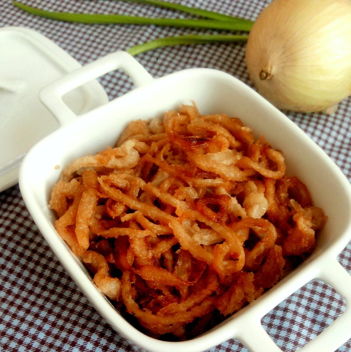 Cebolas douradas (cebolas árabes ou cebolas à tirolesa)
