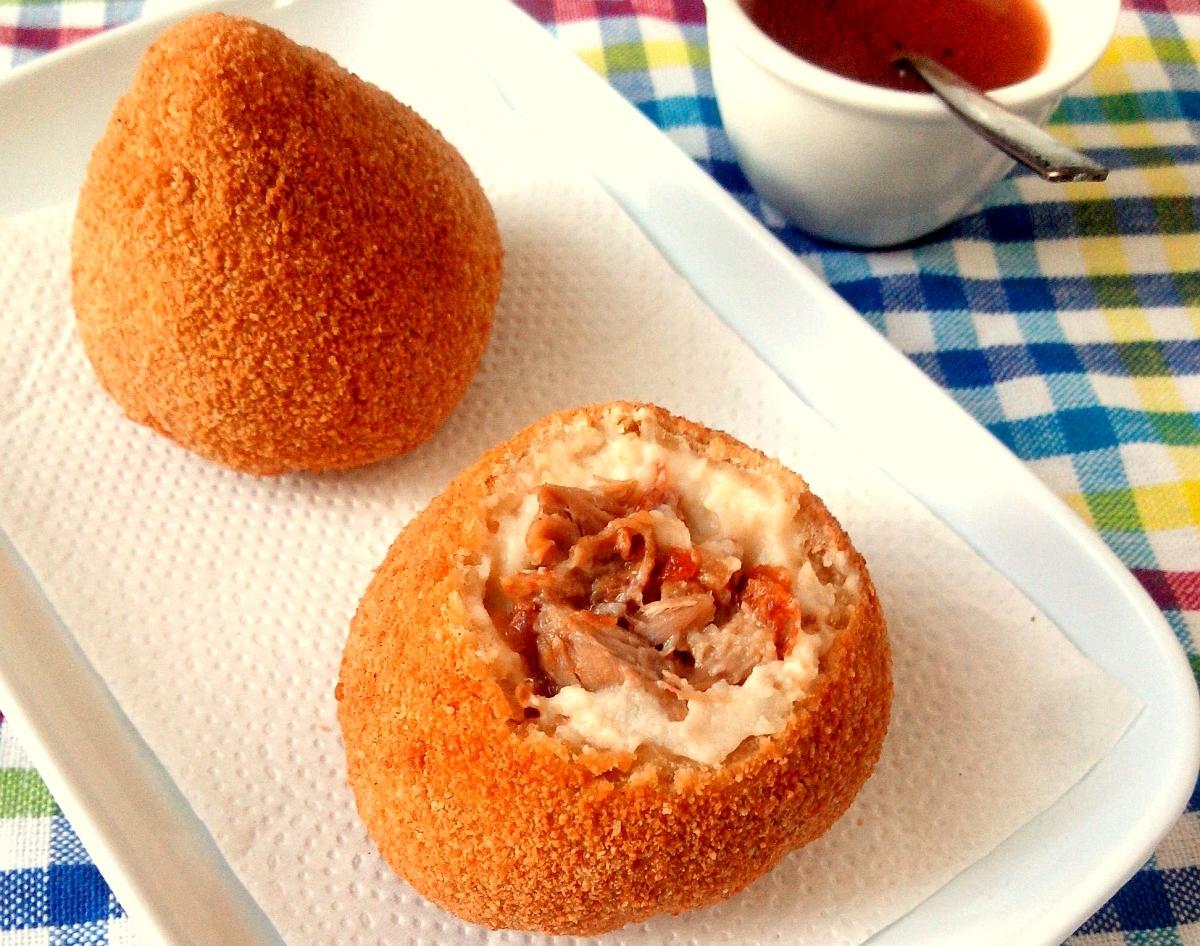coxinha da asa de frango assada com farinha de rosca