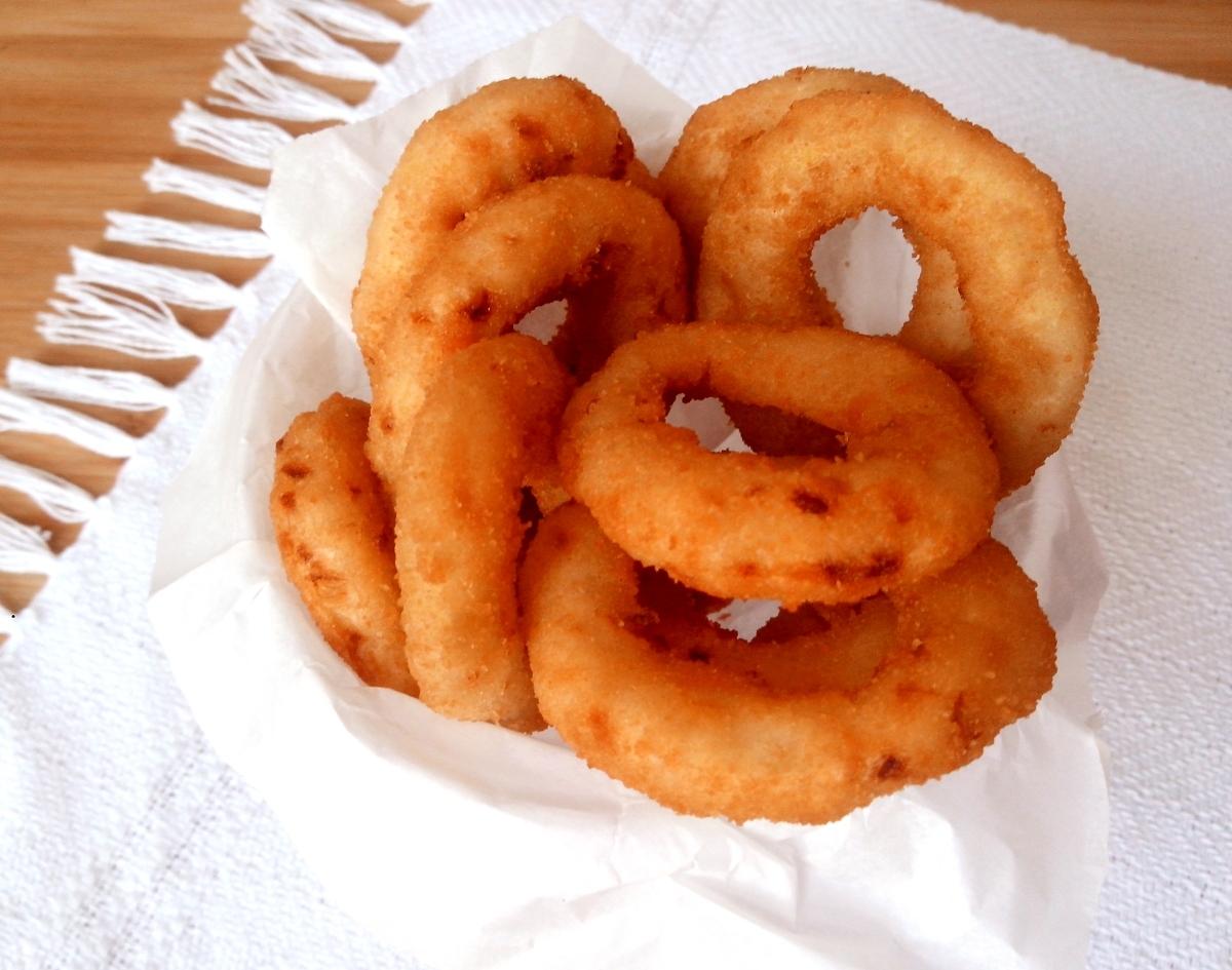Onion rings (aneis de cebola empanados)