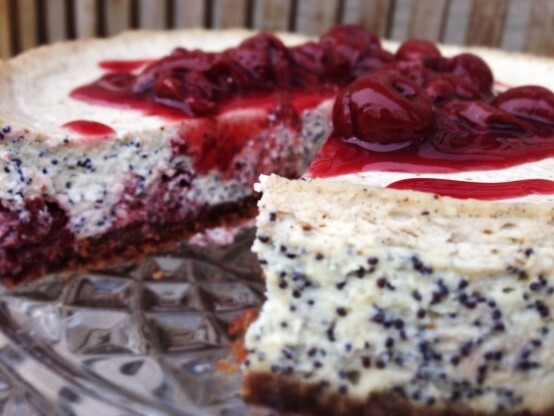 MakovĂ˝ cheesecake