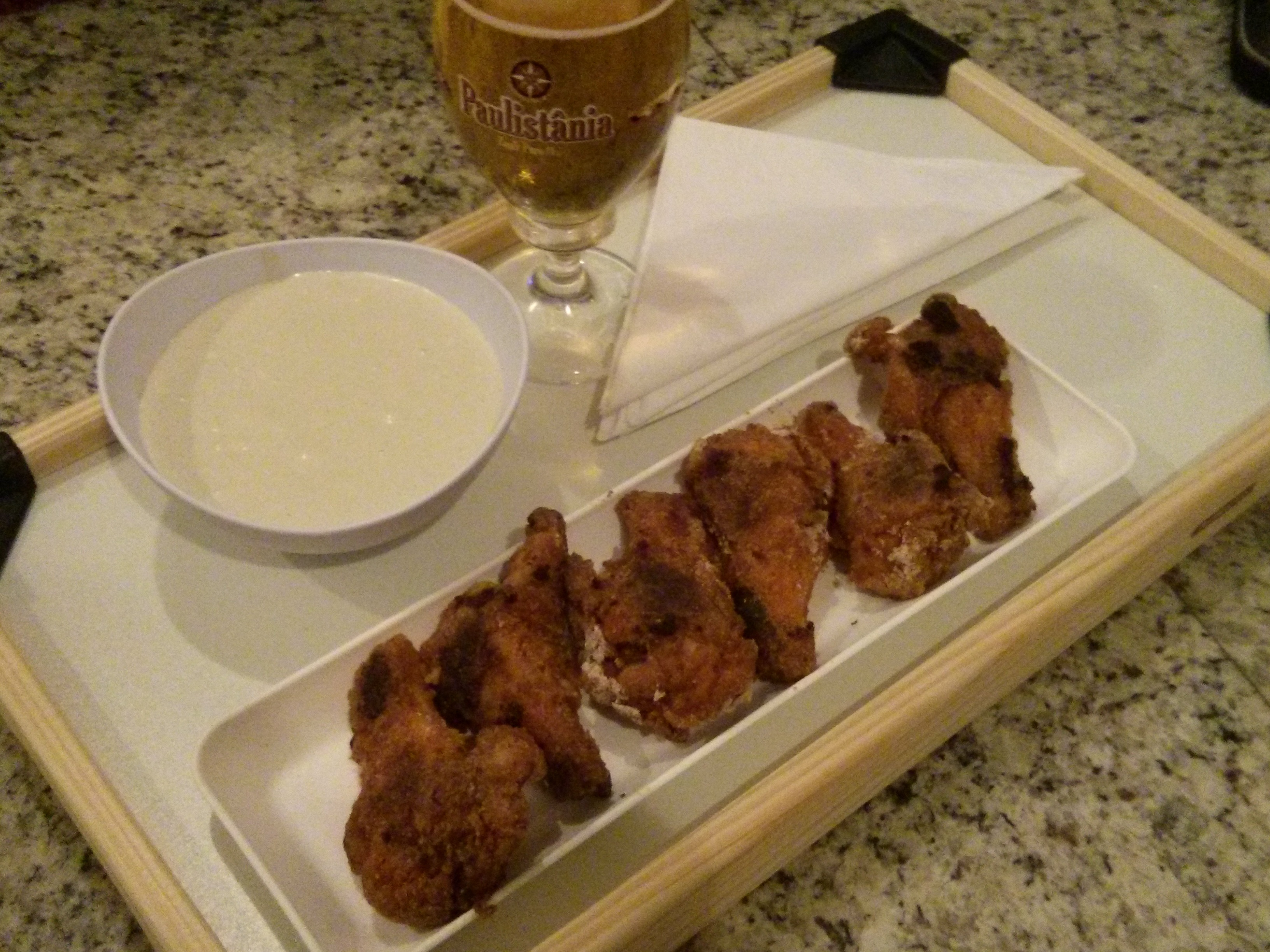 kookaburra Wings e molho blue cheese