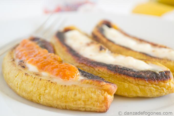 Plátanos asados con queso (Ecuador)
