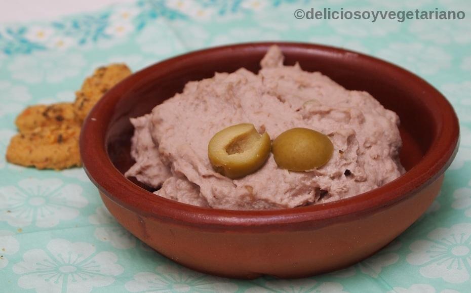 Hummus de Alubias Blancas, Nueces y Aceitunas