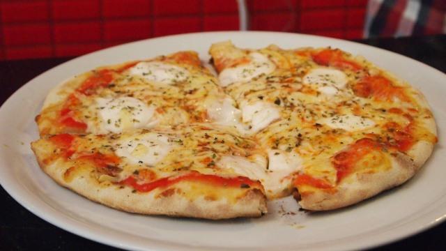 Pizza a la Piedra – Pizza deliciosa en Malaga
