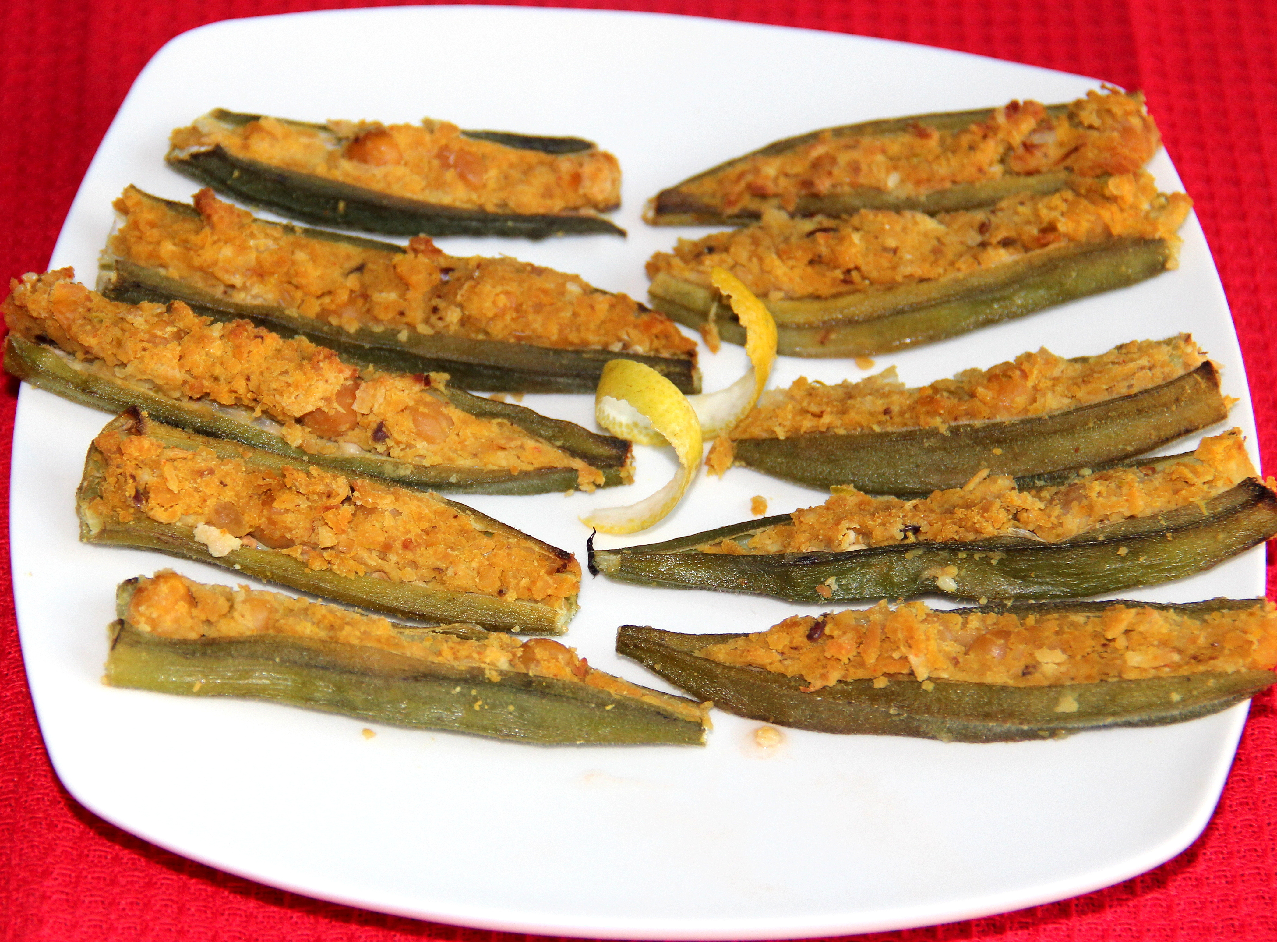 Okra stuffed with Chickpeas – 2 methods
