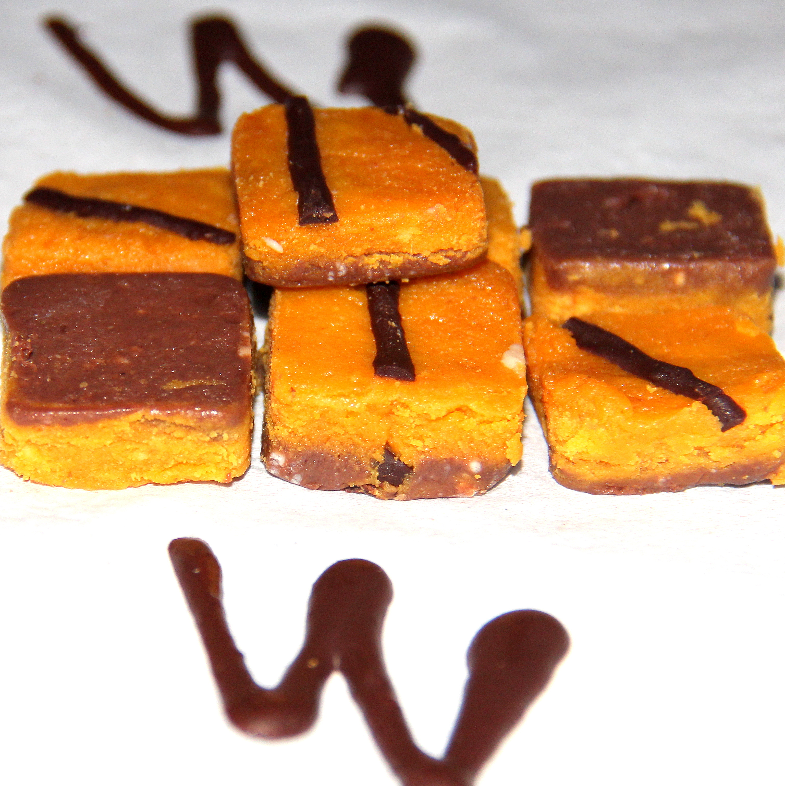 Mango-chocolate fudge