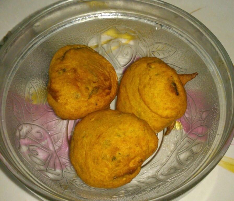 Tuppahirekai/Ghosale/Gilki/Sponge Gourd bhajji