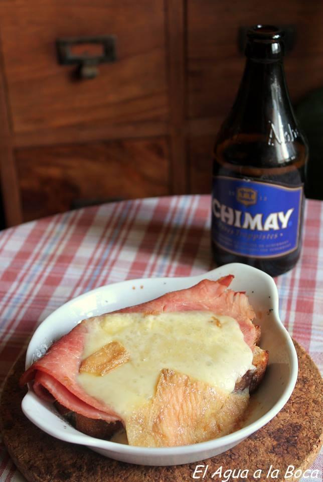 Sandwich jamon-queso a la cerveza