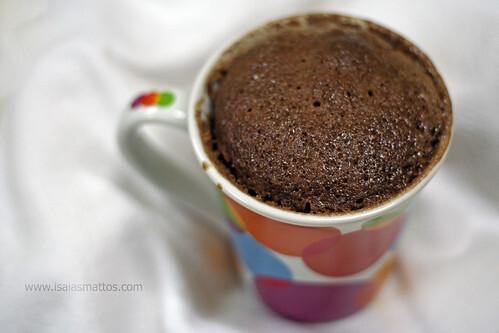 Bolinho Surpresa de Chocolate (de caneca e micro-ondas)!